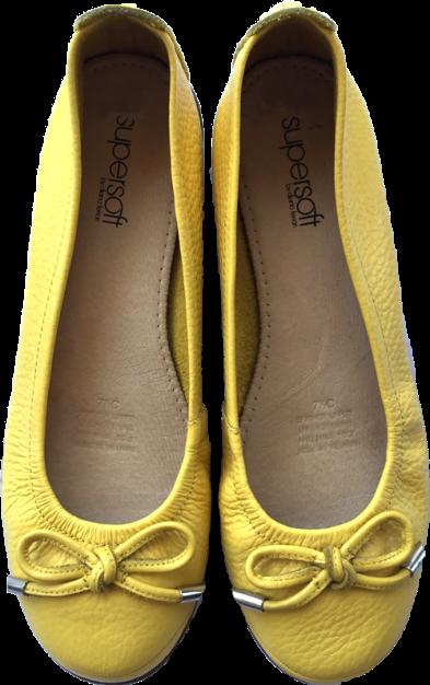 diana-ferrari-yellow-ballet-flats